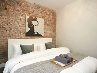 ★ Artistic Flat in Mile End ✓ Patio + Parking ★
