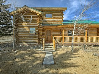 NEW! Cozy Buena Vista Cabin Near Creek w/Mtn Views