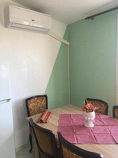 A2(2+3): dining room
