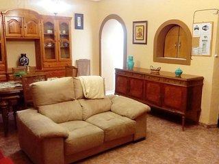 Casa  entera a 15 km de  Córdoba.