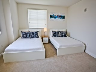 Luxurious Apt in Coral Gables/2Bed/2Bath next to the Shops at Merrick Park