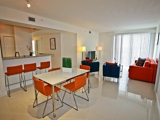 Luxurious 2 Bed/ 2 Bath steps from the Shops at Merrick Park
