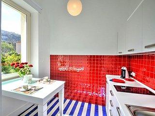 Sorrento Apartment Sleeps 2 with Air Con - 5585840