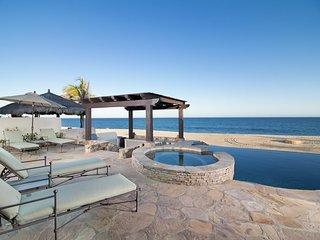 Gorgeous 4 BD Beachfront Villa!#13