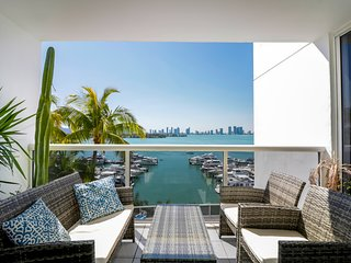 Best South Beach Location On The Bay