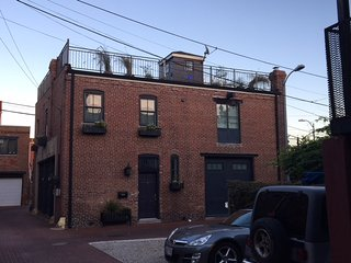 Historic Firestation Lofts-  6BR/4BA  *Garden * Location* METRO *Parking