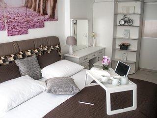 Arka Zagreb Luxury Apartments - babysitting - free pickup shuttle - free Netflix