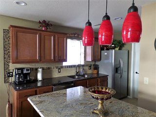 Luxurious Remodeled Condo/Gorgeous View/Heart of Branson/Affordable/Spacious