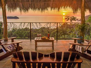 CASA VISTA OCEANA: Luxury Ocean View Closest to Manuel Antonio National Park