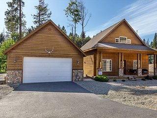 3rd Nt Free*Stylish Cabin Nr Suncadia|2BR+Large Loft|Pool-Hot Tub-Fire Pit
