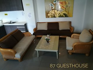 Comfy Apartment - Unit G - 87 Guesthouse, Baguio City