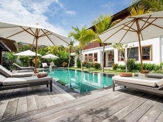 Top Quality 6bdrs In Seminyak - Villa Tangram