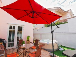 Jazzuzi BBQ Villa 7 Beds - near beach and pool