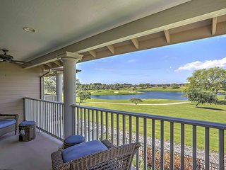 Stylish Ewa Beach Townhome on Hoakalei Golf Course