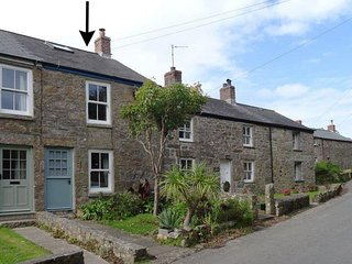 2 THE COTTAGES, pretty semi-detached 18th cent. cottage, close to Cornwall's mos