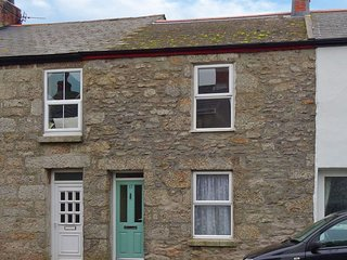 MOLLY'S COTTAGE, charming 19th century terraced cottage, close to shops and