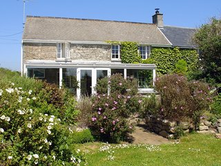 TREGWYNNE, pretty 19th cent. cottage close to National Trust beach. Praa Sands 1