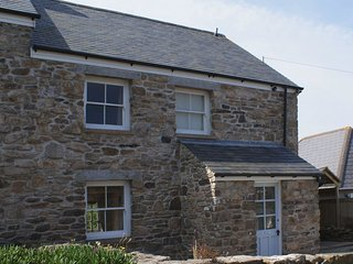 TRECAM, pretty 19th cent. cottage close to Coast Path. Pendeen 1/2 mile.