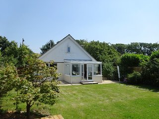 SHANZU HOUSE, pet friendly holiday home on the southern edge of the New Forest.