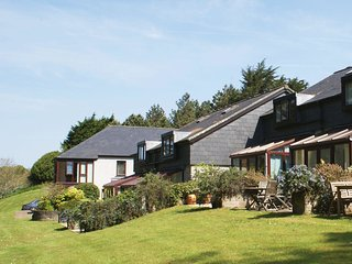 DUCK BAY, on Maenporth Estate, with indoor pool, play area and tennis court, 500
