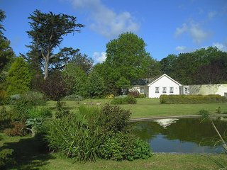 CHARLTON LODGE, detached lodge surrounded by 61/2 acres grounds with large