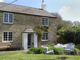 KINGBARTH, wonderfully private, detached cottage with 19th cent. origins in an a