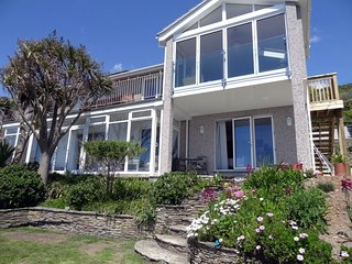 BEACH BELLE, large, detached, modern seaside home with uninterrupted panoramic s