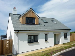 ENDYMION, superbly located, brand new cliff top, seaside house. In Porthtowan.
