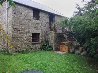 THE MOWHAY, converted, pet friendly, traditional stone barn with use of indoor s