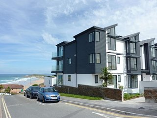 FLAT 8 SEASCAPE, immaculate, second-floor apartment with stunning sea views one