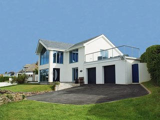 SEADRIFT, stunning, detached house with terrific sea views. In Mawgan Porth.