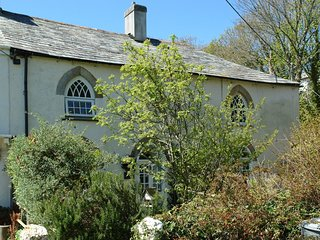 DESTINY COTTAGE, Grade II listed cottage, 250 yards from harbour. In Boscastle