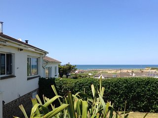 "12 ATLANTIC CLOSE, smart, bungalow 200 yards from Widemouth Bay""s huge, sandy"