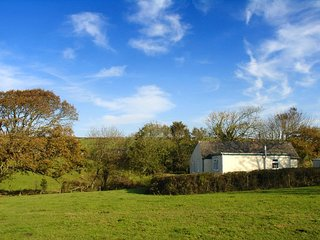TRESUNGERS BUNGALOW, peacefully located bungalow on a 160 acre farm close to