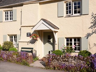 CHERRY TREE COTTAGE, terraced 18th century cottage 200 yards from pub in pretty