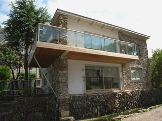 TIDAL WATERS, stunning detached riverside house with fabulous water views