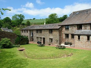 LUPIN, first floor apartment in handsome converted barn in 21 acres of grounds