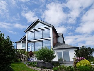 SKERRIES, stunning detached house with wood burning stove, three reception