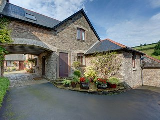BROOK COTTAGE, smart, stylish cottage in a beautiful rural valley hamlet, one