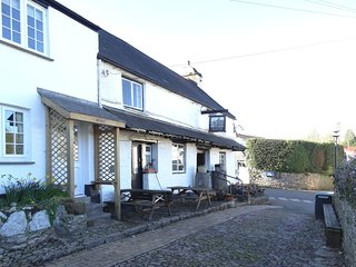 MEADOW BROOK COTTAGE, charming 18th century cottage with wood burning stove, big