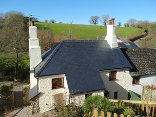 MEADOW BROOK COTTAGE, charming 18th century cottage with wood burning stove