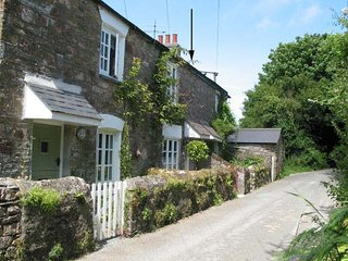2 MIDDLE GABBERWELL, pretty 300 year old cottage with enclosed garden in quiet