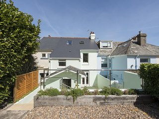 ST. MALO, friendly Victorian family house on a quiet street with long views over
