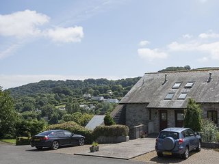 BOWS, attractive cottage in the grounds of Dittisham Court, a short stroll from