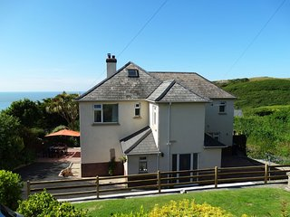 COTFIELD HOUSE, smart and spacious three storey house with sea views. Woolacombe