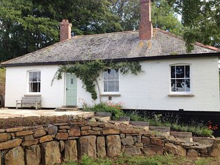 HEDGELEA, detached cottage in secluded countryside with open fire and panoramic