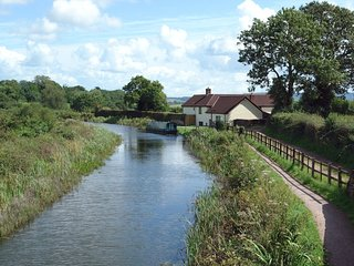 VALLEY HOUSE, detached house on the banks of the Grand Western Canal. Tiverton 4