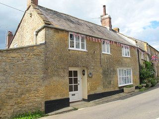 BLACKBIRD COTTAGE, Grade II listed cottage with wood burning stove and games