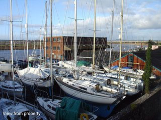2 COLLINGWOOD HOUSE, spacious apartment with lovely estuary view. In Topsham.