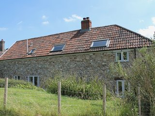 WHITCOMBE COTTAGE, environmentally friendly farm cottage with wood burning stove